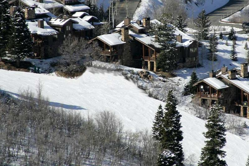 Really Ski-In Ski-Out, the picture shows it all. Deer Valley is your back yard. - Fabulous Ski-in Ski-Out 4BR Deer Valley-Grand View - Park City - rentals