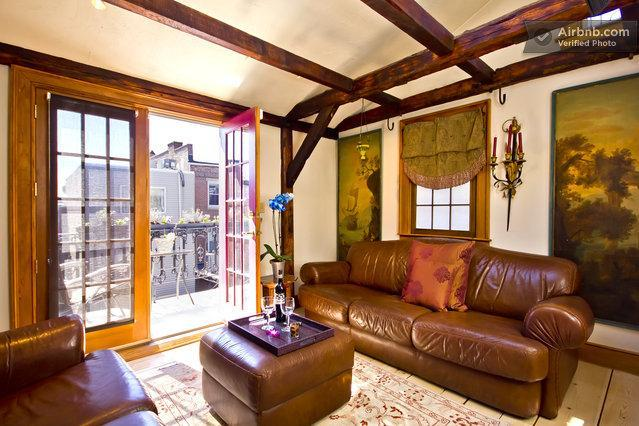 Elegant sitting room with fireplace, skylights, beams, cathedral ceiling, French style balcony - Elegance at Salem Court, Boston - Boston - rentals