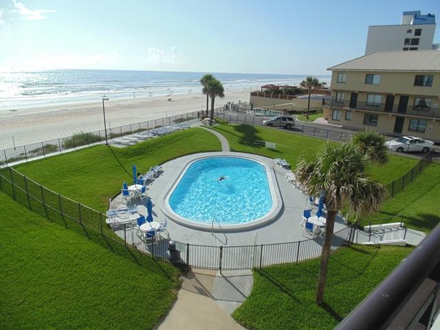 Amazing pool and ocean view. - Fall $pecials-Horizons Condominium #303- Oceanfront - Daytona Beach - rentals