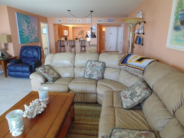 Living room (alternative room). - Condo $pecials - Horizons #303 - Oceanfront - Daytona Beach - rentals