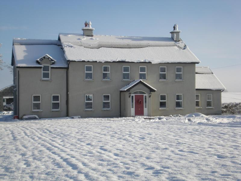 Ballybeg Abbey,Bed and Breakfast Buttevant,  Cork - Image 1 - Cork - rentals