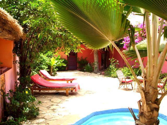 Relaxing at the yacuzzi - Baobab Belge, your B&B in Saly, Senegal - La Petite Côte - rentals