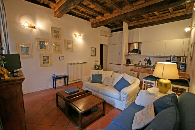 Campo dei Fiori I - Image 1 - Rome - rentals