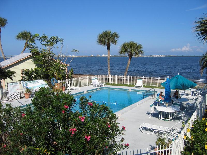 Pool - One Bedroom WATERFRONT SUITE - Jensen Beach - rentals