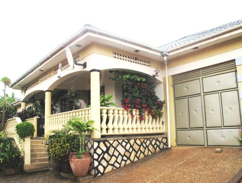 Beautiful Luxurious Kampala Home - Image 1 - Kampala - rentals