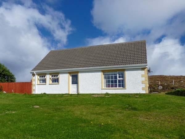 ATLANTIC VIEW, detached cottage, enclosed gardens, sea views, walks from door, in Brinlack, Ref 18961 - Image 1 - Brinlack - rentals