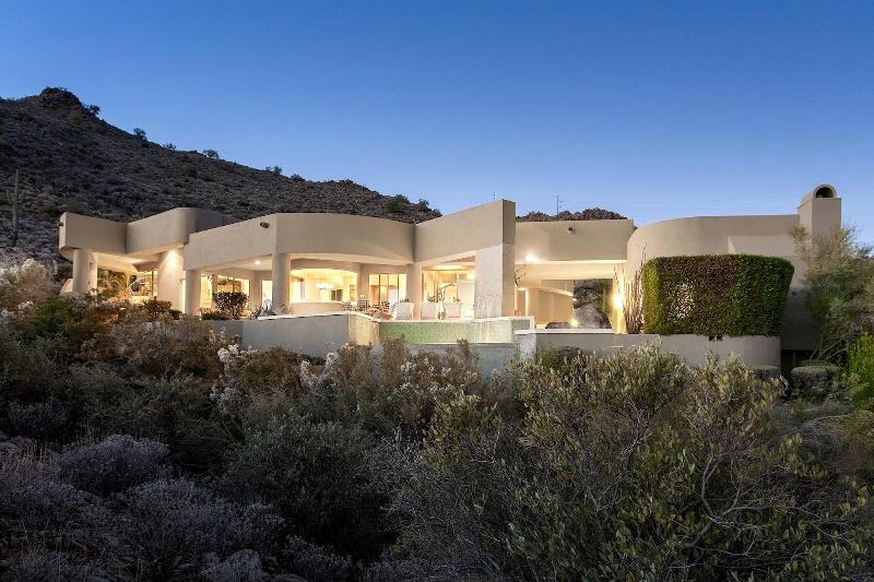 Welcome to Fountain Hills! - Modern Luxurious Mountainside Home - Fountain Hills - rentals