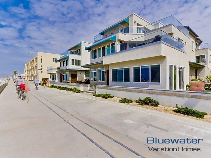 Oceanfront, ground floor on the Mission Beach boardwalk - Bluewater Ocean Front One South - Pacific Beach - rentals