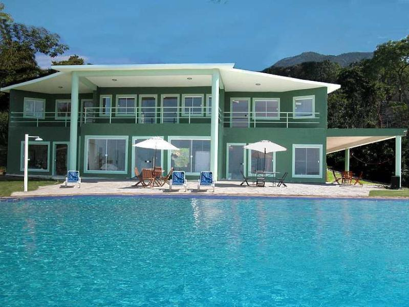 front of the house from poolside - Luxury house with pool and fantastic view  Paraty - Paraty - rentals