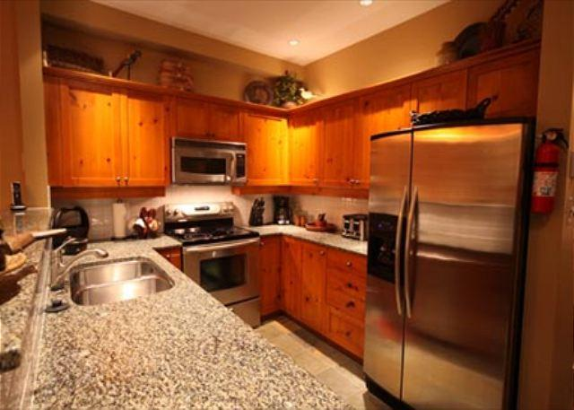 Full Kitchen - Acer Vacations | Mountain Star Ski in Townhome in Whistler 4 Bedroom Hot Tub - Whistler - rentals