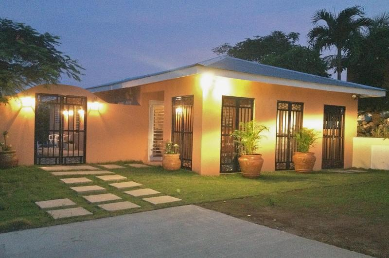 Welcome to Casita Cerromar - Casita Cerromar, 2 bed, 2 bath, sea views and pool - Isla de Vieques - rentals