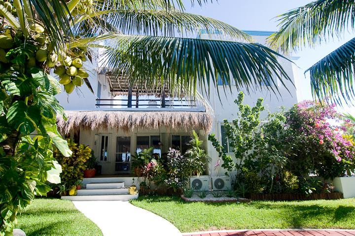 Playa Azul street side - Secluded, romantic 3 brm beach villa - Tankah Bay! - Tulum - rentals