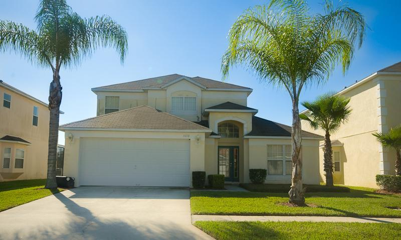 Luxury Home in exclusive Lake Berkley (Ref: 34010) - Image 1 - Kissimmee - rentals