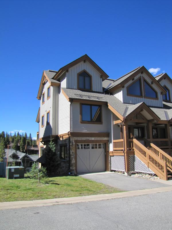 Ski in - ski out convenience - Ski in - Ski out. Saddlewood Townhome, Peak 9 - Breckenridge - rentals
