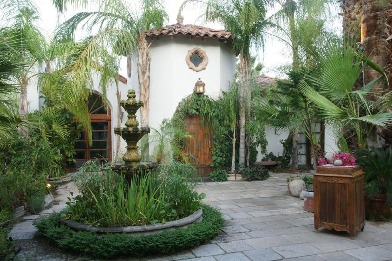 Entry to Estate - Old Las Palmas Weekend Rental, Corporate, Weddings - Palm Springs - rentals
