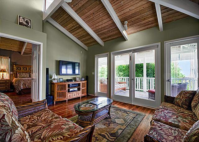 Upscale 3 bedroom bungalow in an oceanfront estate - Image 1 - Kailua-Kona - rentals