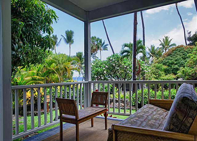 Upscale 3 bedroom bungalow in oceanfront estate - Image 1 - Kailua-Kona - rentals