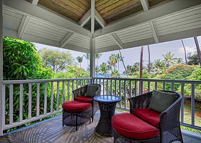 Upscale 3 bedroom bungalow in an oceanfront estate - Image 1 - Kailua-Kona - rentals