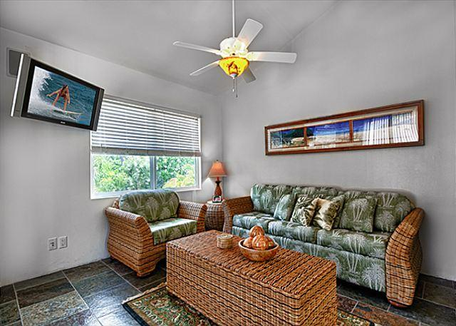 2 bedroom, 2 bath upscale bungalow in an oceanfront estate - Image 1 - Kailua-Kona - rentals