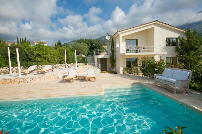 Ideales Resort villa Xteni - Image 1 - Trapezaki - rentals