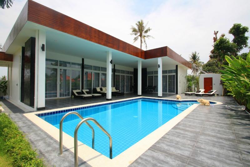 Modern Pool Villa - Image 1 - Hua Hin - rentals