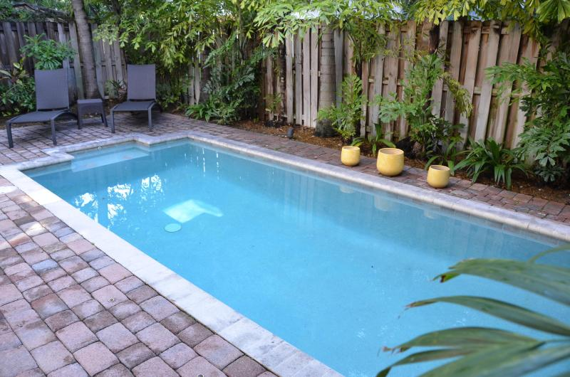 Private Heated Pool... - 5 STAR HEATED POOL LAUD BY SEA HOME STEPS 2 BEACH! - Lauderdale by the Sea - rentals