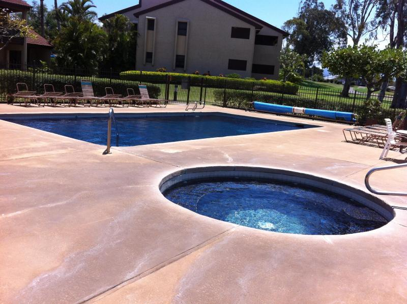 Two relaxing solar heated hottubs and pools so warm and relaxing with a glass of wine & sunset - Waikoloa Double Bogey Villa on 9th Fairway E201 - Waikoloa - rentals