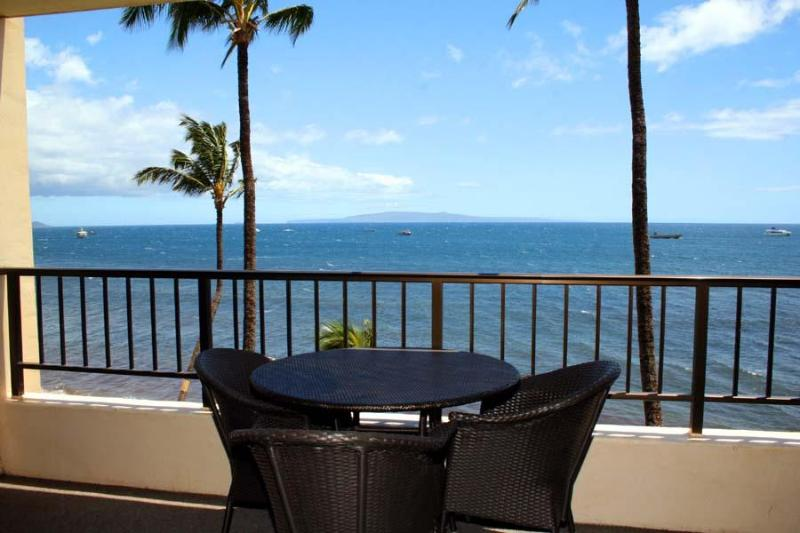 SPECTACULAR OCEAN VIEW to relax and enjoy watching the whales and turtles. - Oceanfront Living starts $159 Night! Relax & Enjoy - Kihei - rentals