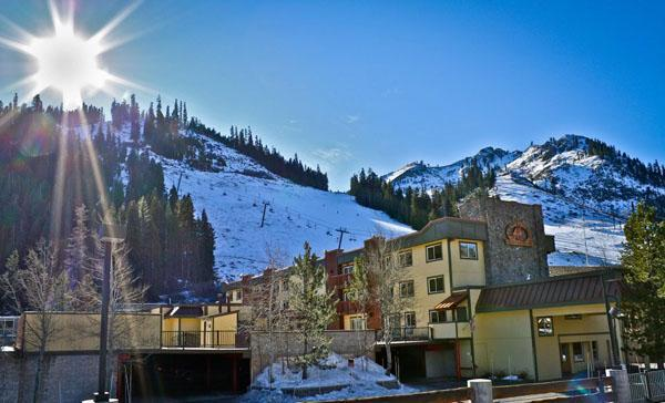 Ski in/ski out with fireplace, hot tub, lodge feel - Image 1 - Olympic Valley - rentals