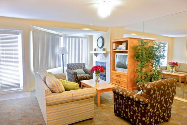 A gem one block from beach trail, cafes, pier - Image 1 - San Clemente - rentals