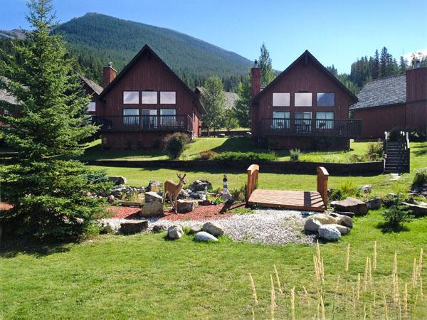 Sunny Summers! - A Quiet Rustic Getaway with Mountain Vistas - Seebe - rentals