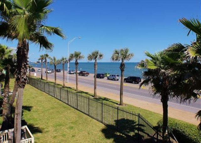View of beach from private balcony - Dawn 228 lets you enjoy wonderful unobstructed ocean views from the balcony! - Galveston - rentals