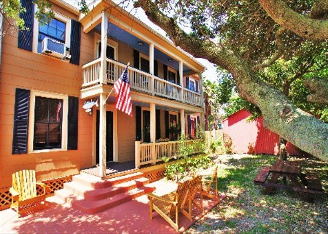 Beautiful east island home only a block to the beach! - Image 1 - Galveston - rentals