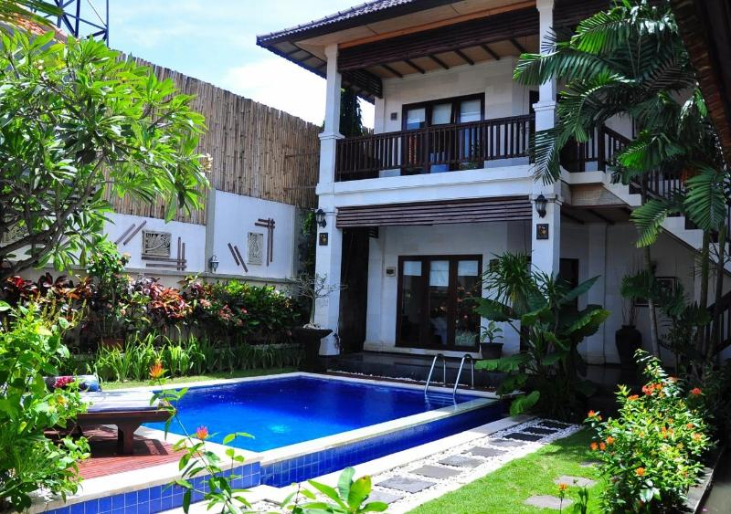 Amazing Villa Marta, full of FLOWERS and exotic atmosphere - AMAZIN' Villa  Marta in Kuta-Seminyak - Seminyak - rentals