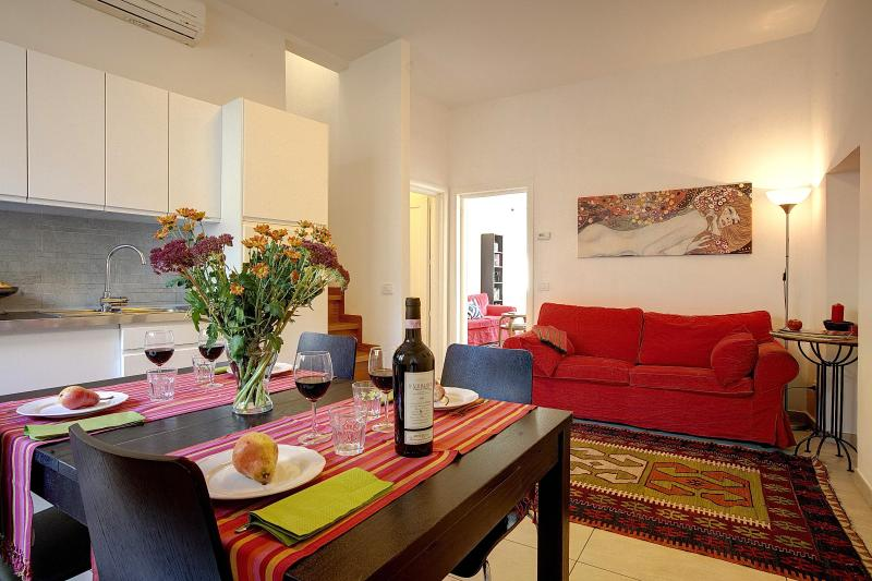 Spacious Apartment at Giglio Suite in Florence - Image 1 - Florence - rentals