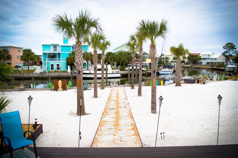 Backyard View of the Bay - Beach Home w/ 90Ft Dock on Bay! 3Br/2Ba - Pensacola - rentals