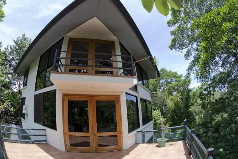 3 bedroom design villa with unique panoramic views - Image 1 - Manuel Antonio National Park - rentals