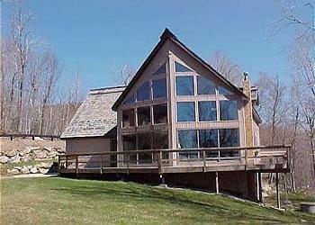 Trail`s End - 3 Bedroom Plus Loft Spacious and Sunny Private Home Right On Ski Trail! Ski On/Ski Off, Indoor Hot Tub, Bumper Pool, Views! - Image 1 - Killington - rentals