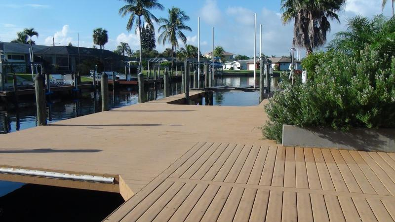 Huge Oversized Deck with 2 Boat Lifts - 50%off Gulf Access Private Pool Game Rm Boat lifts - Cape Coral - rentals