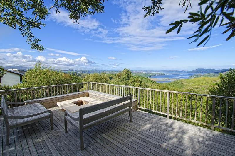 Deck & Pool area with outdoor fireplace - 191 Nirvana - Knysna - rentals