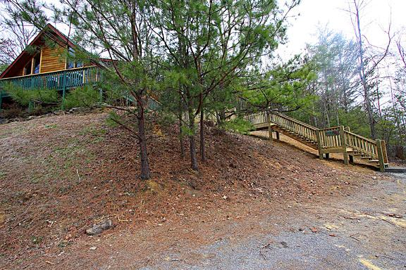 Outside - Whispering Pines - Pigeon Forge - rentals