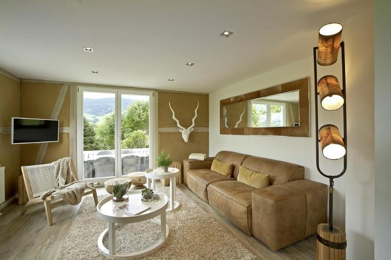 LA MAISON. The lounge. - LA MAISON Freiburg. 5* Luxury Design Holiday Home in the Black Forest - Kirchzarten - rentals