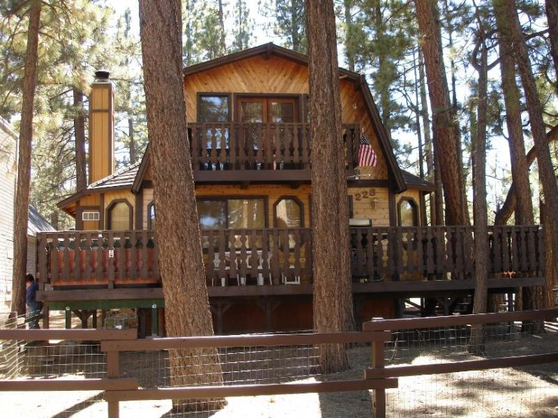 Summer - Pilot's Chalet - Pilot's Chalet in Big Bear - Close to the Lake - Big Bear City - rentals