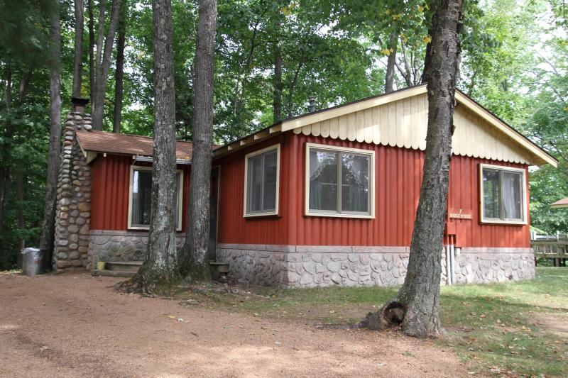 Ridgewood - A Classic Northwoods Cottage - Image 1 - Rhinelander - rentals