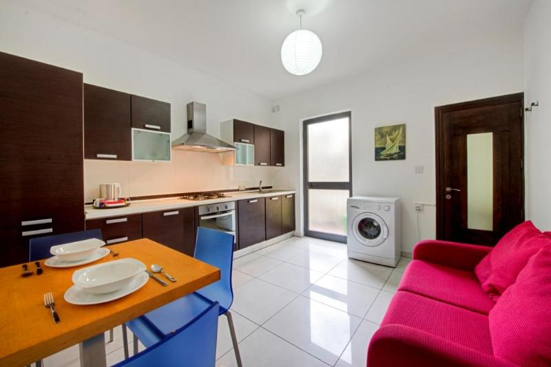 AP2 - 5 min to Centre and Beach! - Image 1 - Marsascala - rentals
