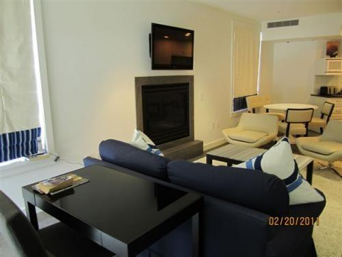 Large Living area with fireplace and flatscreen TV - Suite 1 in Vail Village - Vail - rentals