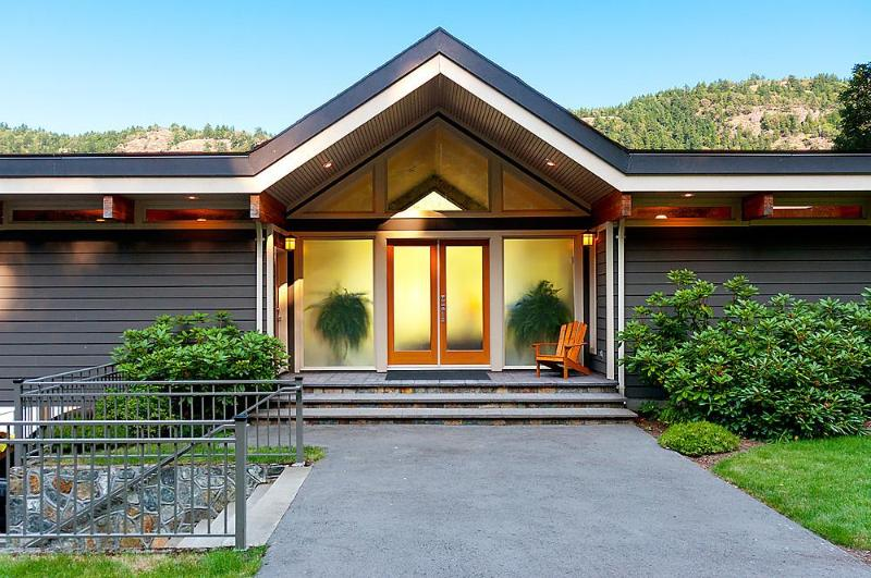 House main entry - Tranquil Malahat Waterfront Retreat Awaits You - Victoria - rentals