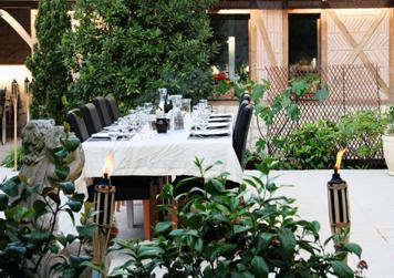 Dinner outside - Charming B&B near Chinon in the Loire Valley - Ligre - rentals