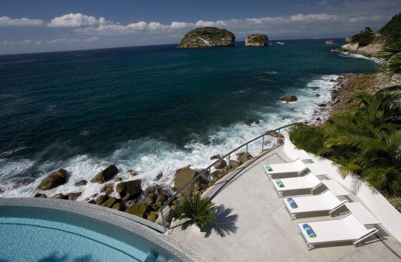 Spectacular Ocean Front Luxury Villa - Image 1 - Puerto Vallarta - rentals