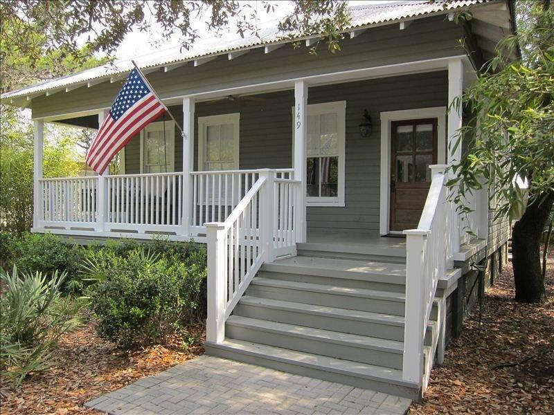 Old Grayton Beach- a quiet nostalgic beach community perfect for families - Lollygag Too - Charming Cottage in Grayton Beach - Fort Walton Beach - rentals